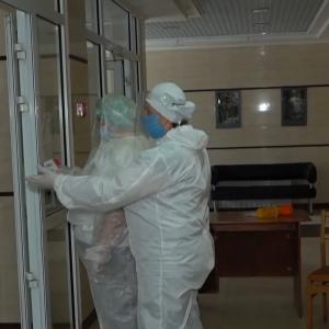 Від початку пандемії коронавірусом в України інфікувалися понад 8,5 тисячі медиків та майже 5 тисяч дітей