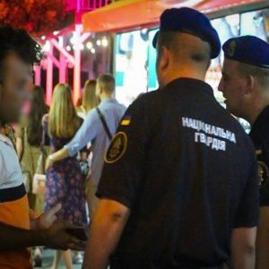 Затримують нелегалів: нацгвардійці та поліцейські працюють на вулицях Одеси