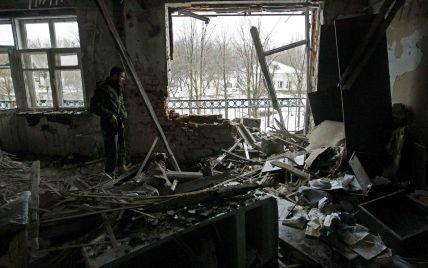 Бойовики продовжують гатити по Авдіївці: поранено бійця ЗСУ. Дайджест АТО