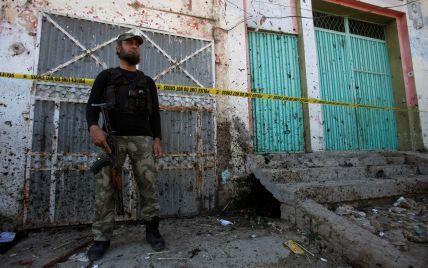 Вдруге за тиждень. У Пакистані озброєні люди напали на урядову будівлю в Чарсадді