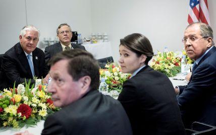 Лавров вперше зустрівся з держсекретарем США Тіллерсоном