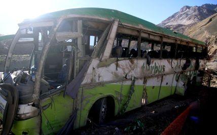 Відмовили гальма й зірвало дах: страшна ДТП філіппінського автобуса забрала понад десять життів