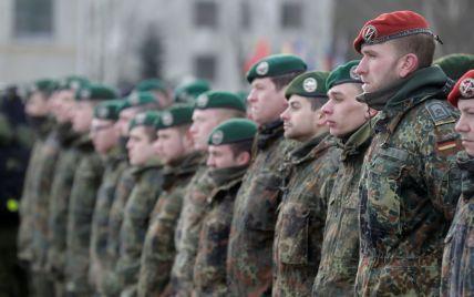 НАТО починає перекидати свій батальйон до Естонії і незабаром випробує там винищувачі