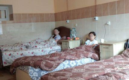 Брудна вода та кишкова паличка в продуктах: в готелі на Прикарпатті, де отруїлись діти, виявили антисанітарію