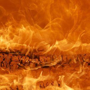 Спалювала сміття: в Одеській області жінка отримала опіки всього тіла
