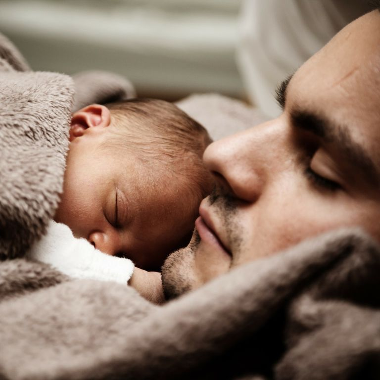 Как восстановить режим сна после праздников: в Минздраве составили список советов