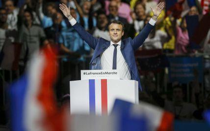 Кілька відсотків на ваги Макрона. Кандидату у президенти Франції запропонували вигідний альянс