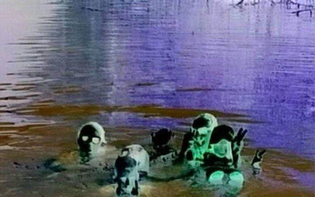 Загадкове фото викликало бурхливе обговорення у мережі / © dailymail.co.uk