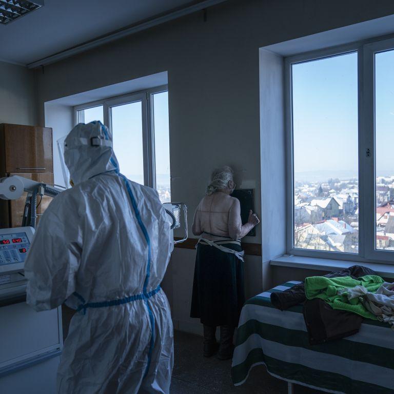 """""""Дельта"""" почала атакувати Київ: в Олександрівській лікарні виявили шістьох хворих з індійським штамом коронавірусу"""