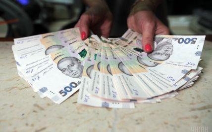 У Києві силовики спіймали фіскалів, які вимагали 70 млн грн хабара за повернення ПДВ