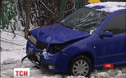 Раптовий снігопад різко збільшив кількість ДТП у Києві