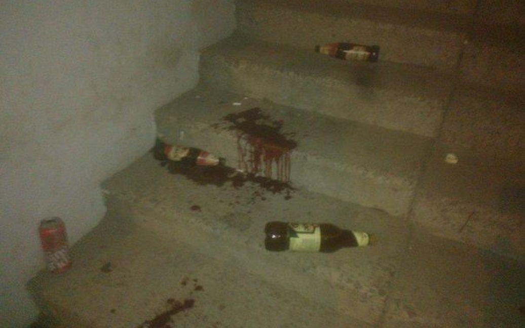 На месте нападения остались лужи крови. / © ТСН