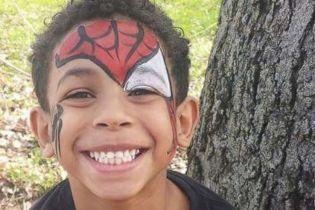 У США 8-річний хлопчик повісився через булінг у школі, його сім'ї виплатять $3 млн