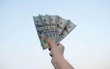 """""""Коронавірусна"""" лотерея: у США багатодітна мати виграла мільйон доларів серед вакцинованих"""