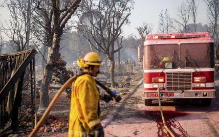 В США лісові пожежі наближаються до Лос-Анджелеса
