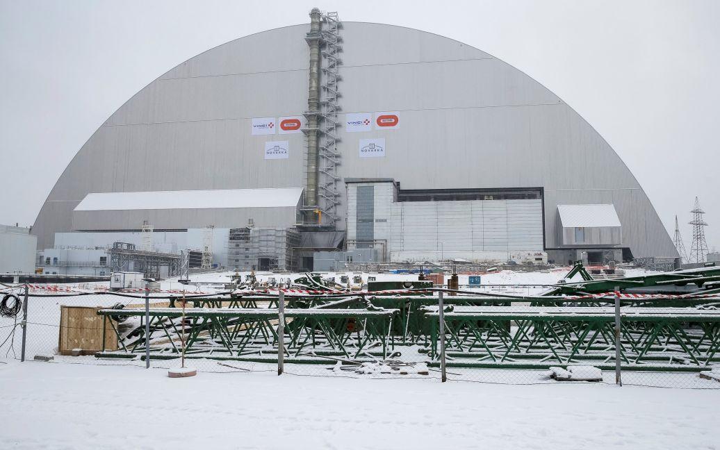 Накриття над саркофагом 4-го реактора ЧАЕС / © Reuters