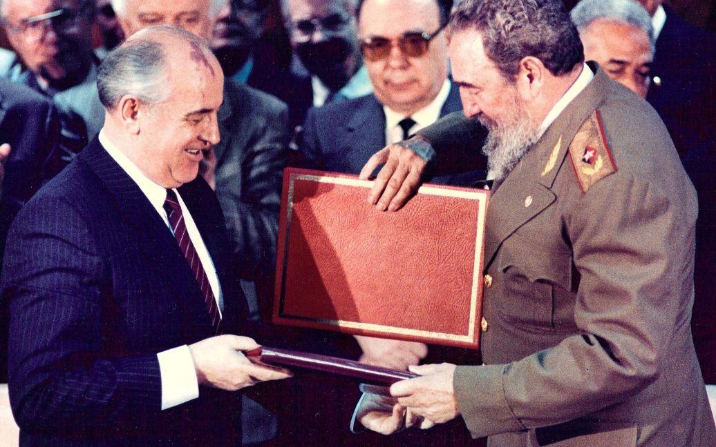 С единственным президентом СССР Михаилом Горбачевым / © Reuters