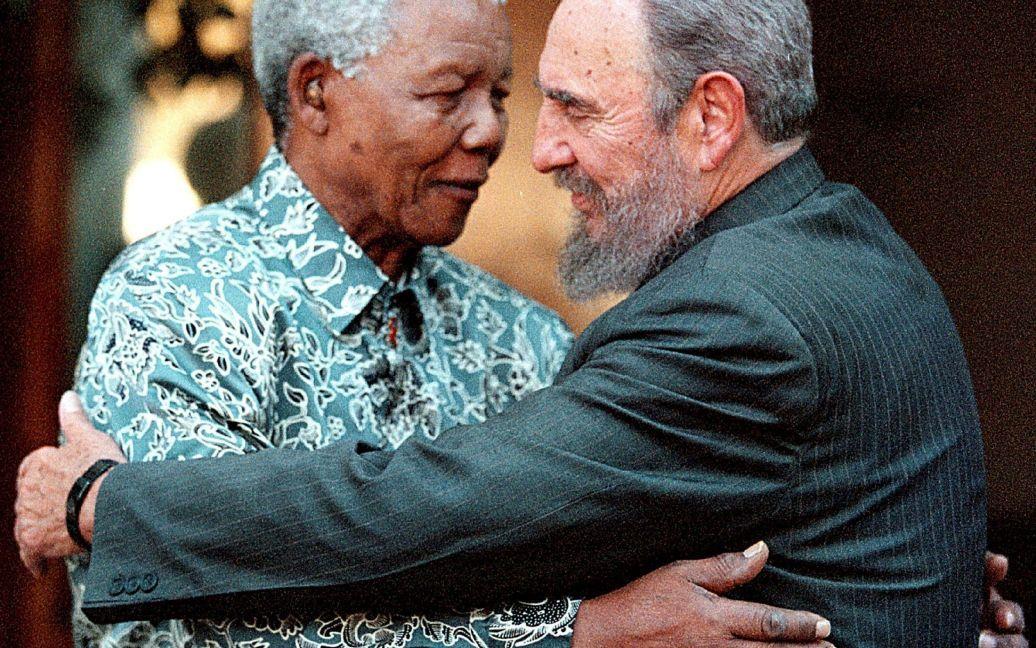 С первым президентом ЮАР Нельсоном Манделой / © Reuters