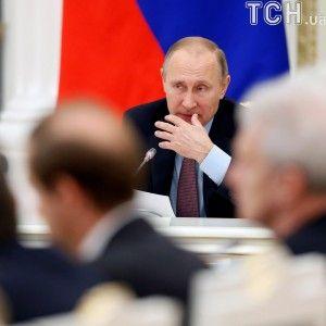 """""""Мы должны знать, кто направлял руку убийцы"""". Путин впервые прокомментировал расстрел посла в Турции"""