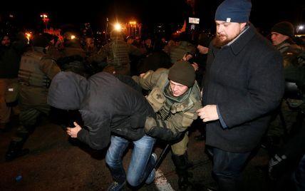В полиции назвали количество пострадавших и задержанных во время столкновений на Майдане