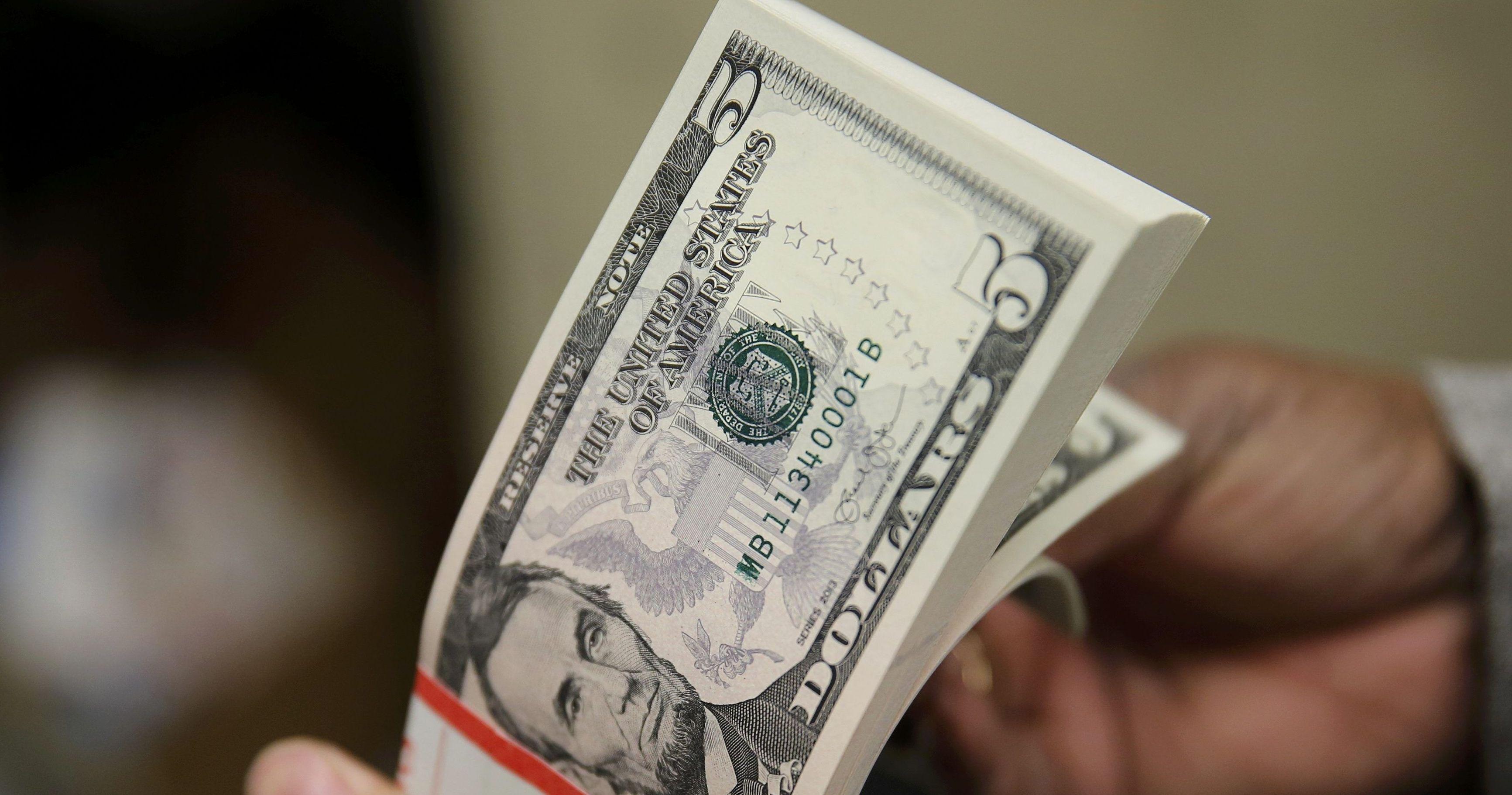 Експерти нагадали українцям головні правила поведінки при коливанні курсів валют
