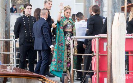 Забула зняти бирку: з Дженніфер Лопес стався конфуз на показі Dolce & Gabbana