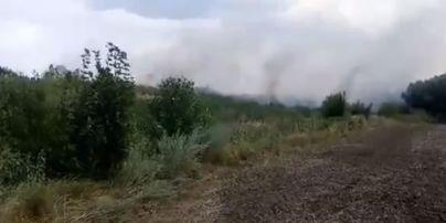 На Київщині горить звалище промислових відходів картонного комбінату