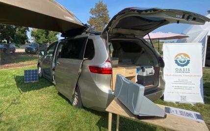 Мінівен Toyota перетворили на будинок на колесах: що може вмістити такий кемпер