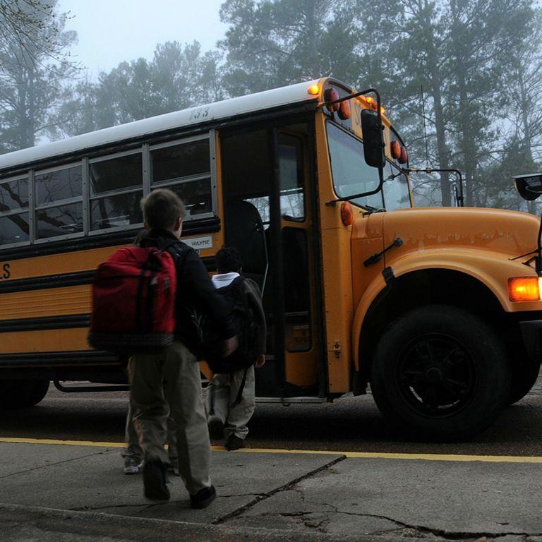 """""""Я просто сумасшедший"""": в США школьник напал с ножницами на двух одноклассников, потому что они """"раздражали его"""""""