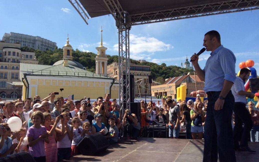 Кличко посетил новую Почтовую площадь / © facebook/Віталій Кличко