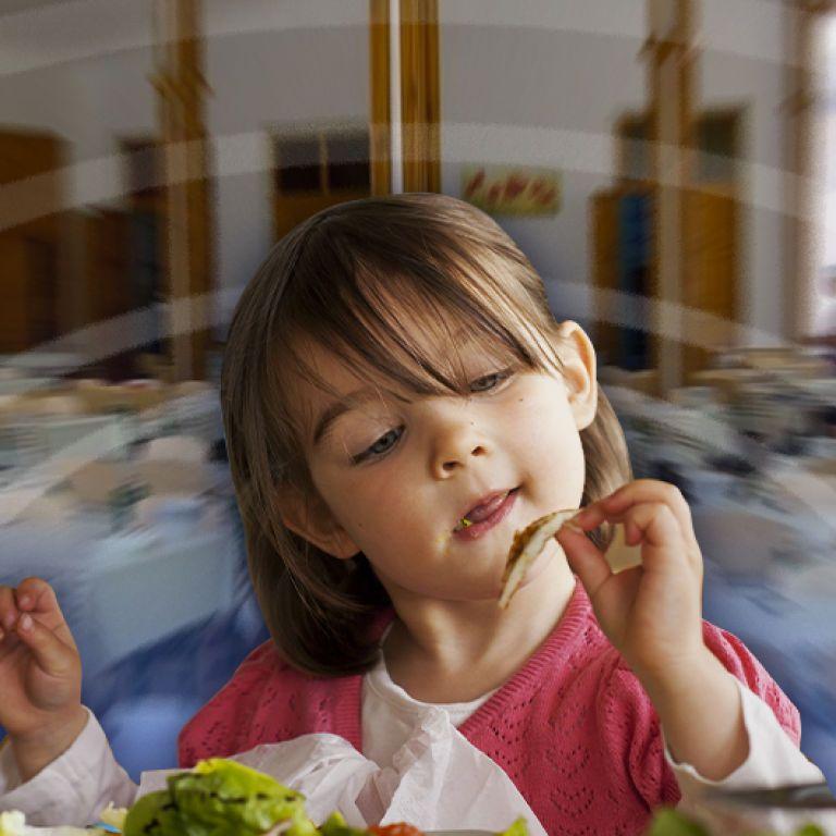 В детсадах Киева резко подскочили цены на питание: сколько теперь платить и что говорят чиновники