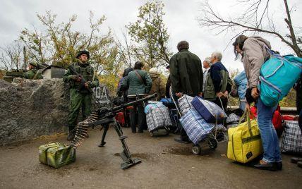 """У """"ЛДНР"""" зростає невдоволення через невиплати зарплат та неїстівну гуманітарку – розвідка"""