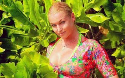 Переменчивая Волочкова озадачила фанатов адекватным видом в роскошном платье