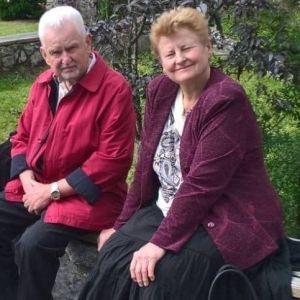 Спершу помер чоловік, а наступного дня його дружина: коронавірус забрав життя подружжя лікарів