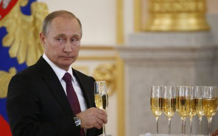 """Путін заявив, що """"більшовики віддали Україні російські території та пограбували РФ"""""""
