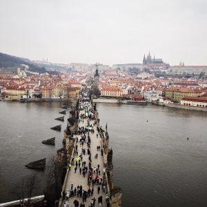 Чехия открывает границы для туристов из ряда стран с требованием вакцинироваться хотя бы первой дозой