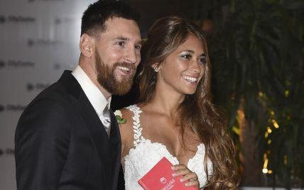 На ком женятся спортсмены: красивые жены и подруги известных футболистов