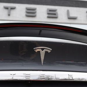 Доход вырос в 27 раз: Tesla показала рекордную квартальную прибыль