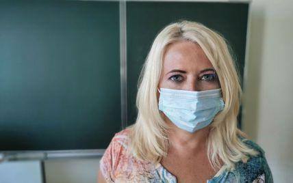 Учителів Київської області вакцинуватимуть просто у школах