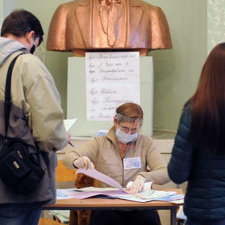 Після виборів можливий спалах коронавірусу: санлікарка Тернопільської області