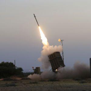 """Ізраїль готується до нового спалаху бойових дій: у всій країні розгорнуто """"Залізний купол"""""""