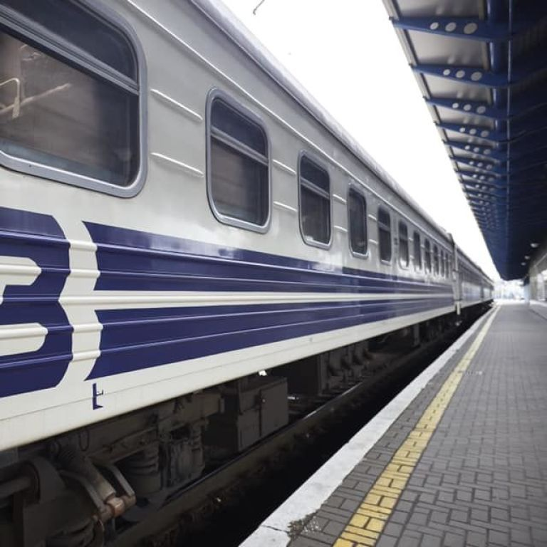 """Морские рейсы: """"Укрзализныця"""" возобновляет курсирование поездов из Днепра и Кривого Рога в Бердянск"""