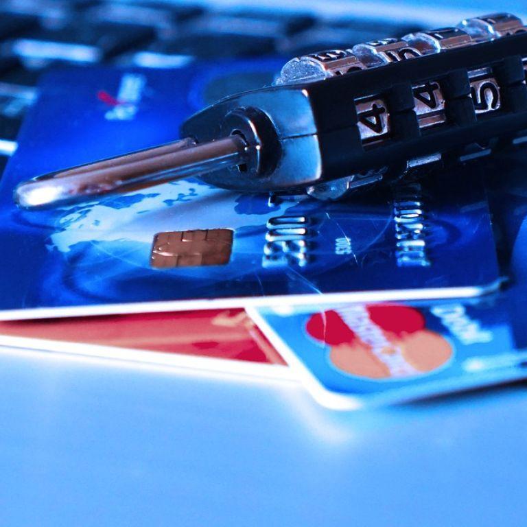 В НБУ объяснили, как перевести родственнику 10 тысяч гривен и не попасть под банковский мониторинг
