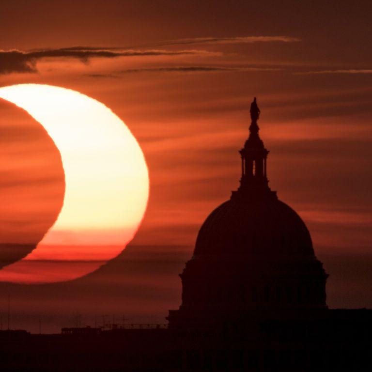 Редкое солнечное затмение над Землей: как выглядело уникальное явление