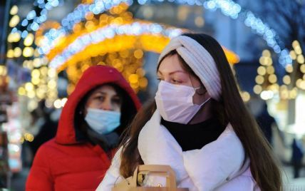 """У МОЗ заявили про скорочення інкубаційного періоду коронавірусу та """"молодшання"""" хвороби"""