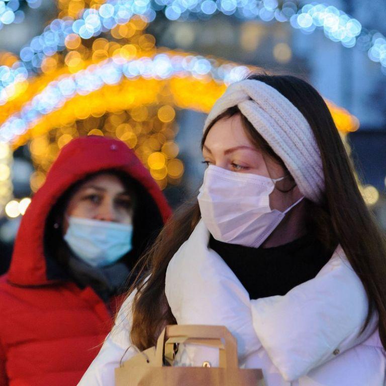 """В Минздраве заявили о сокращении инкубационного периода коронавируса и о том, что болезнь """"молодеет"""""""