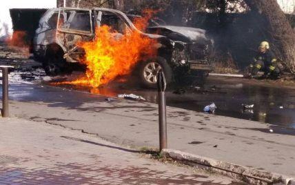 Аброськин сообщил о взрыве авто в центре Мариуполя, погиб полковник СБУ