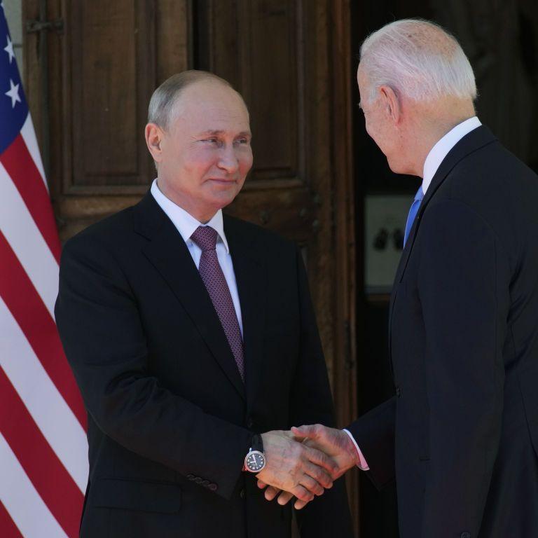 """""""Следующие 6-12 месяцев покажут, удалось ли РФ и США запустить стратегический диалог"""" — Байден"""