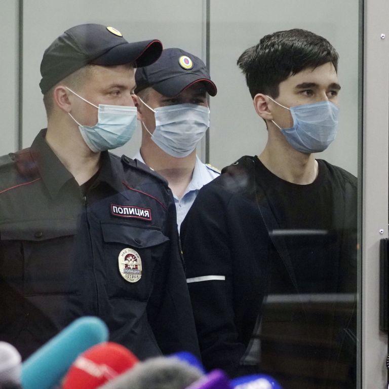 Смертельная стрельба в Казани: убийца за час до нападения приходил в школу узнать расписание