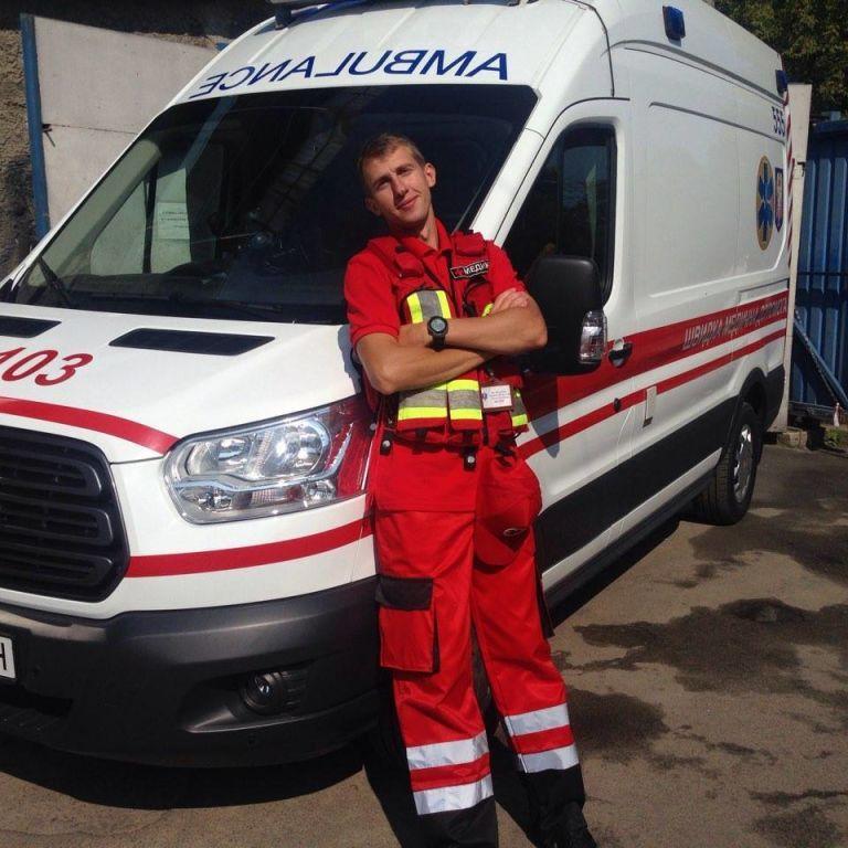 Загибель 27-річного лікаря у Києві: що відомо про велосипедиста, якого п'яний пішохід штовхнув під вантажівку